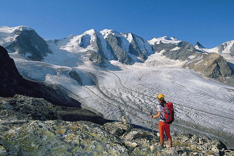 Ein Logenplatz der Extraklasse – beim Abstieg vom Munt Pers zeigt sich das »Silberschloss« in seiner ganzen Pracht Foto: Andreas Strauß