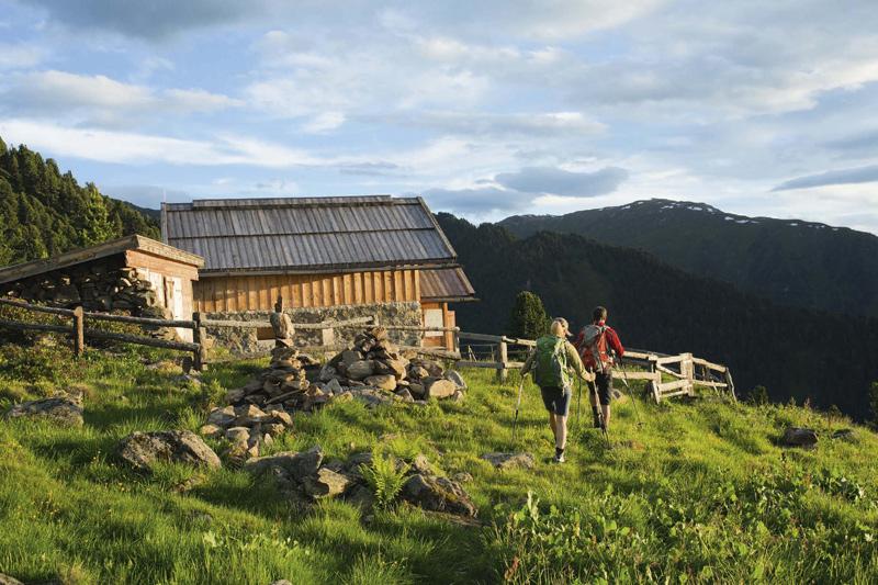 Im BERGSTEIGER Test 09/2012: Bergwanderschuhe