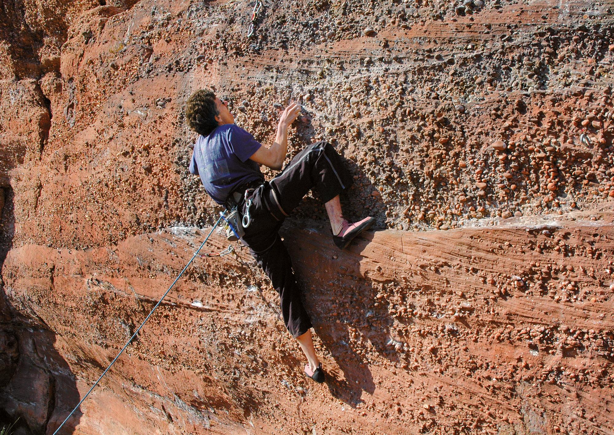 Kiesel-Alarm: Am Falkenfels gibt es vielfältige Kletterei mit großartiger Aussicht auf die Vogesenlandschaft