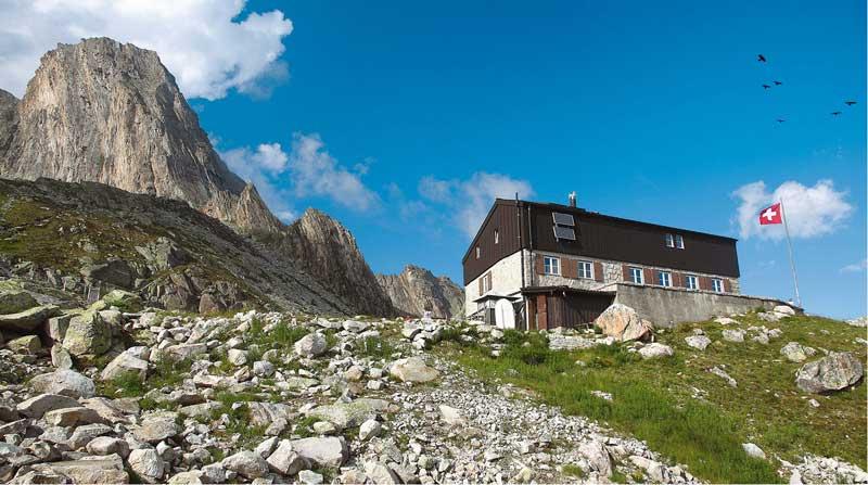Nur über eine Kraxeleinlage erreichbar: die Bergseehütte hoch über dem großen Göscheneralpsee