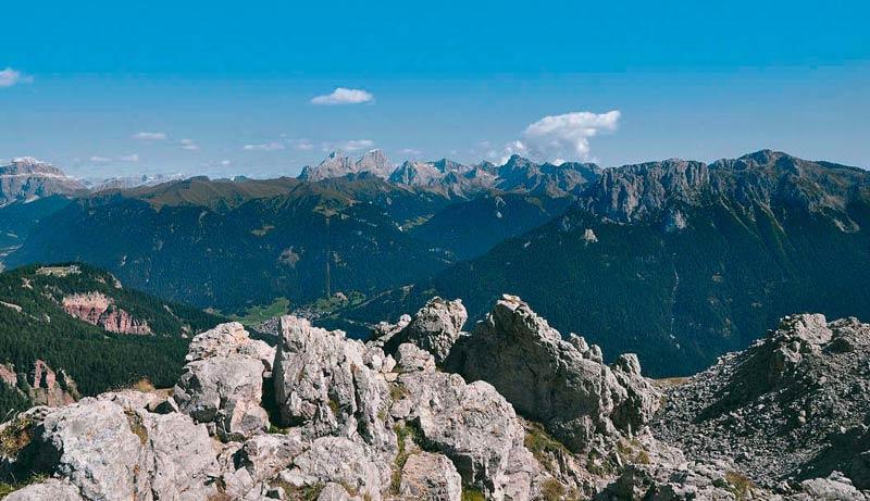 Von der Rotwandhütte hat man einen traumhaften Blick in die Bergwelt des Rosengarten