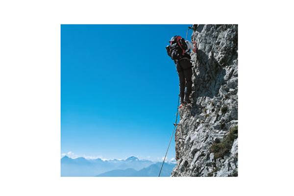 Eine der ausgesetzten Passagen am Innsbrucker Klettersteig
