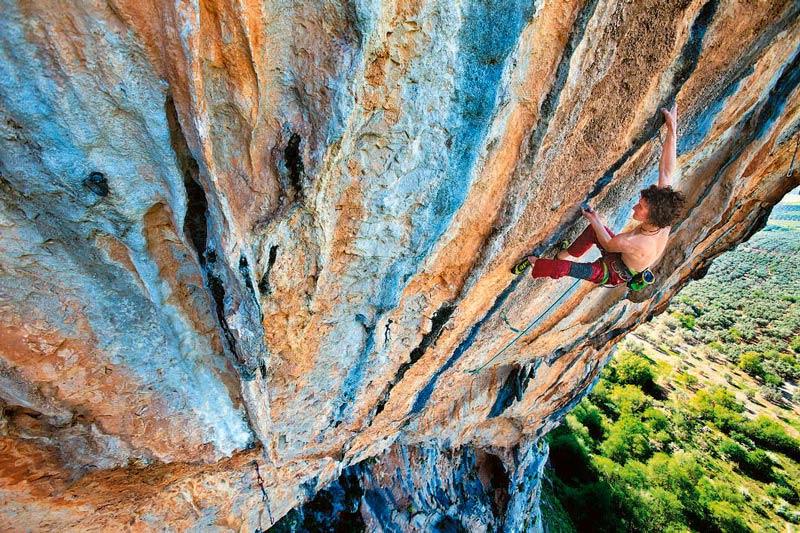 Adam Ondra in einer spanischen 9b-Route: »La Planta de Shiva«