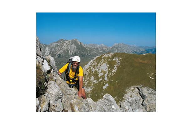 Unterwegs am gesicherten Nordostgrat zum Karhorn-Gipfel