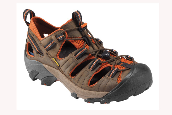 Im BERGSTEIGER Test 06/2015: KEEN Arroyo II Trekking-Sandale