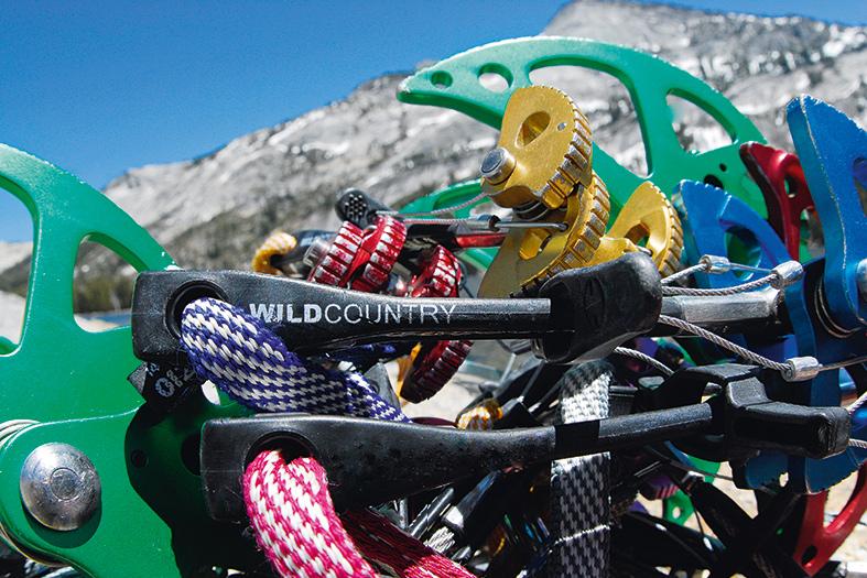 Klemmkeile und Friends für Alpinkletterer