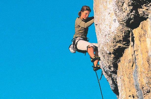 Mehr als 400 Kletterrouten jeden Schwierigkeitsgrads gibt es um Terme di Comano.