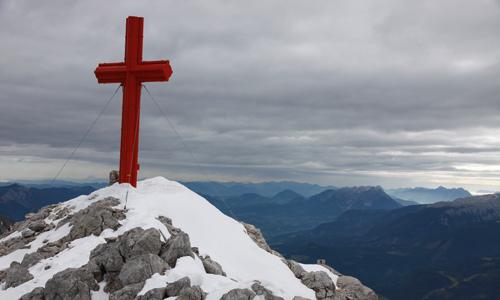 Am Gipfel des Schermberg, Ziel des Tassilo-Klettersteigs