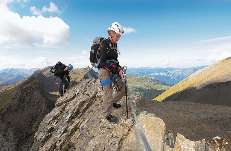 Technisch nicht sehr anspruchsvoll, aber teils ausgesetzt ist der Schwarzhorn Klettersteig