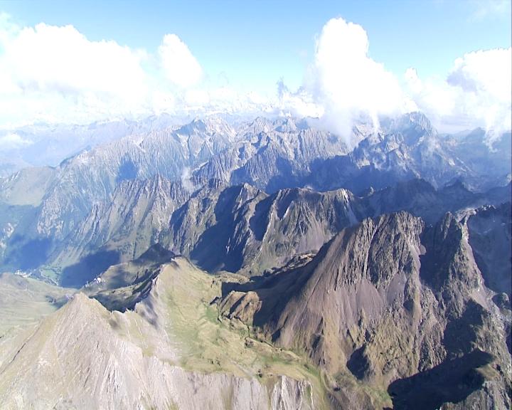 Wilde Felszacken der Pyrenäen