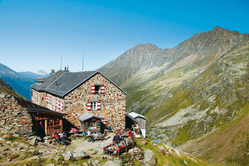 Zur Nürnberger Hütte führen zwei Tourenvarianten