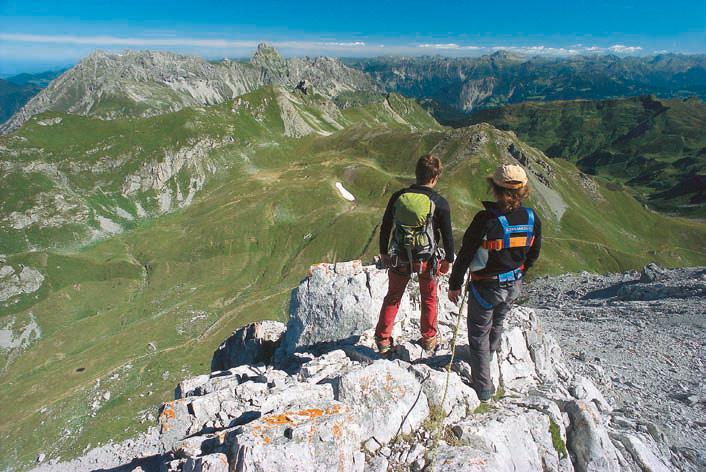 Zurück vom Gipfel: am Abstieg von der Kirchlispitze mit gutem Blick auf die Zimba
