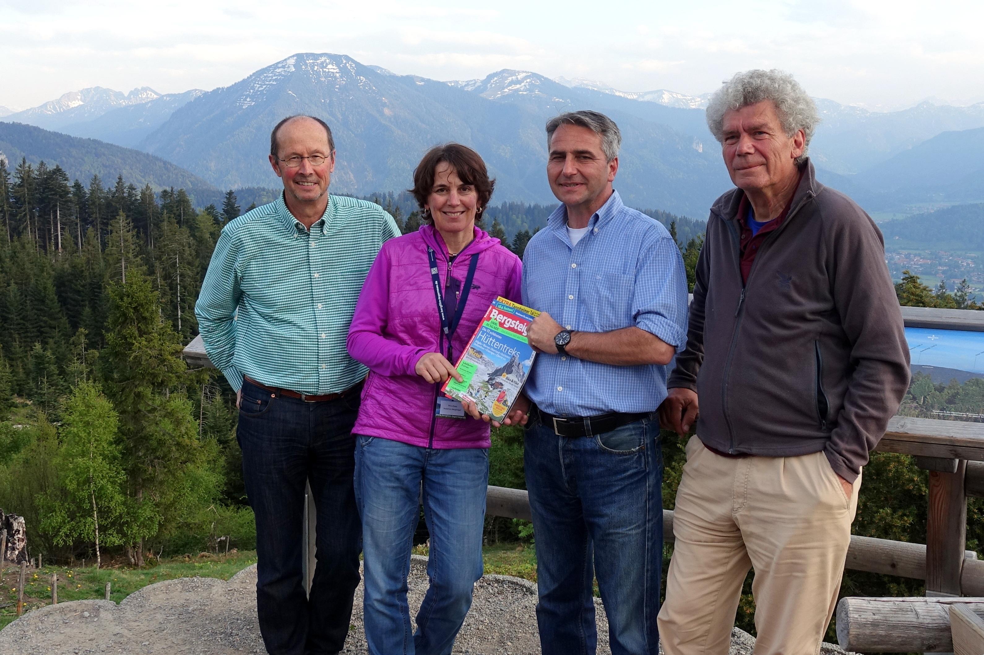 (v.l.n.r.): Michael Pause (künstlerischer Leiter), Petra Rapp (Redakteurin Bergsteiger), Johannes Hagn (Bürgermeister Stadt Tegernsee) und Peter Janssen (Mitbegründer Bergfilm-Festival)