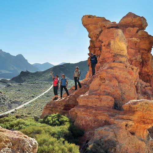 Der Farbkasten der Insel, der Teide-Nationalpark: der enorme Kraterkessel des Teide-Nationalparks, in einer Höhenlage von etwa 2000 Metern, wirkt wie ein gigantisches Amphitheater
