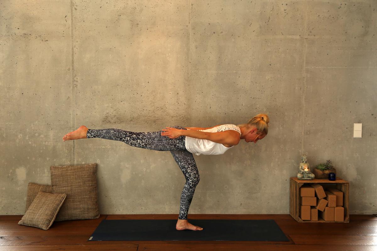 Yogaübung Krieger 3