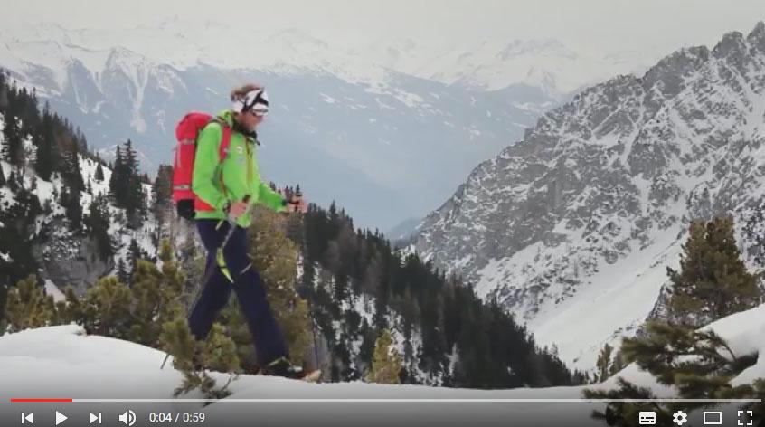 Gerhard Mössmer erklärt in den Tutorials von ASI Reisen auf was es beim Schneetourengehen ankommt.