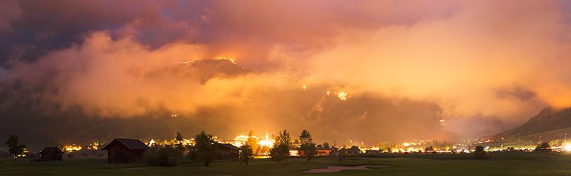 Die Sonnwendfeuer erhellten am 27. Juni die Berge rund um Ehrwald