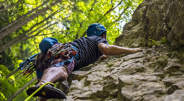 Finden Sie die perfekte Kletter-Ausrüstung für den Sommer.