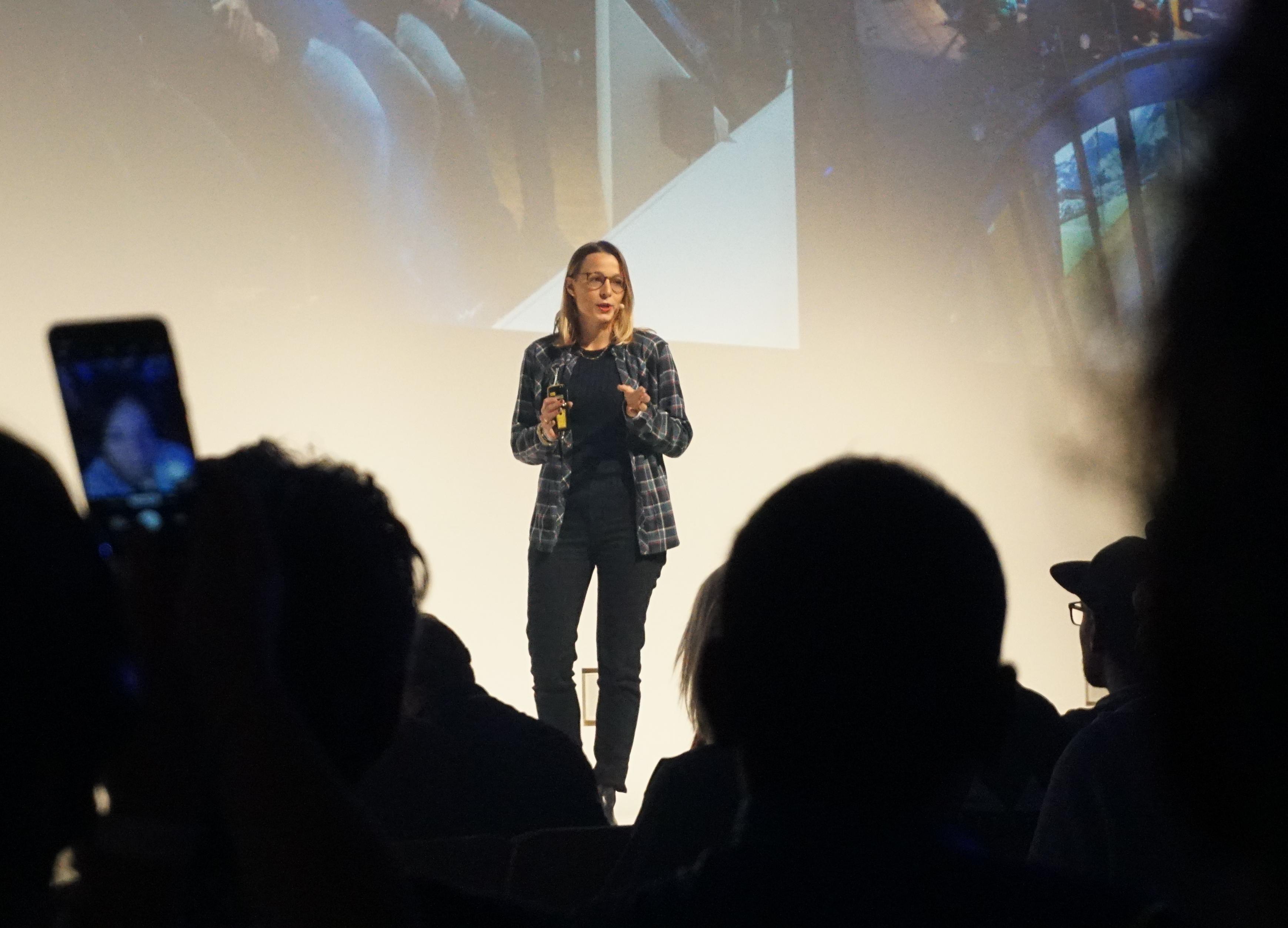 Ruth Oberrauch spricht auf der Oberalp Convention.