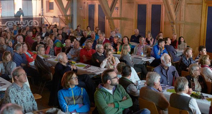 Gebannte Zuhörer beim letztjährigen Tag des Berges