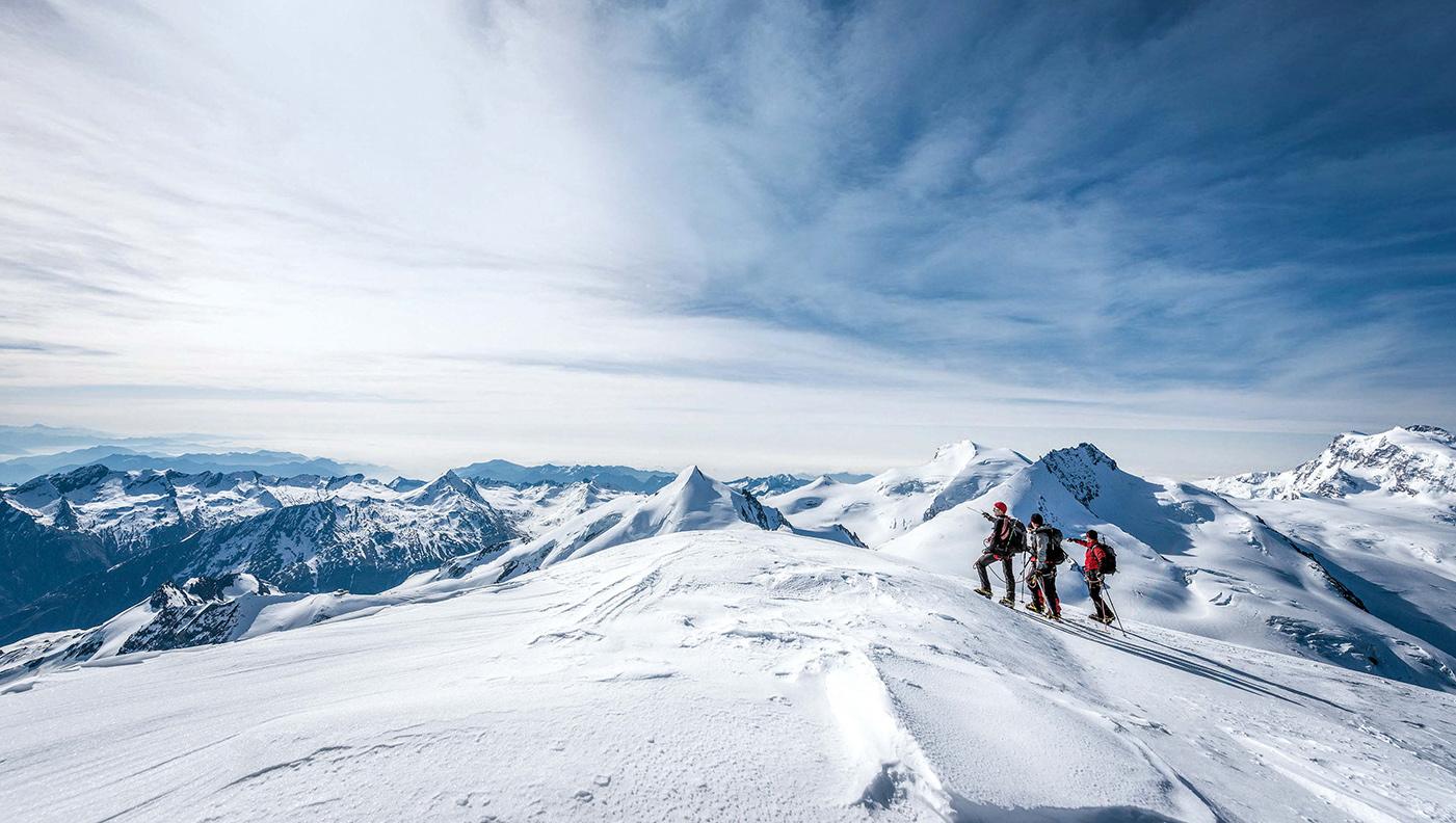 Nach einigen Übungstouren rücken Ziele wie der Alphubel (4210 m) bald in Reichweite.
