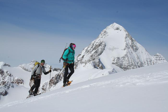 Wer im Winter ins Hochgebirge will, braucht nicht zwangsläufig Tourenski.