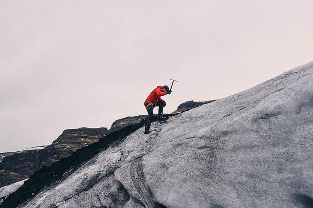 Bergsteigen ist ein ganz besonderes Hobby - doch es bringt auch Kosten mit sich.
