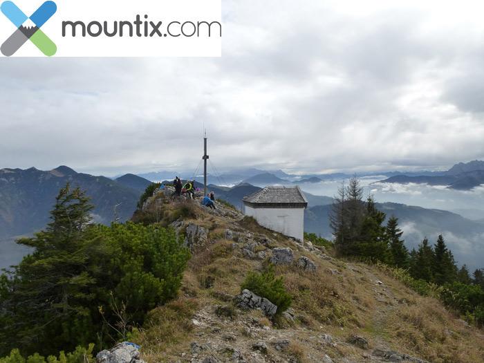Spitzstein-Gipfel mit Kreuz und Kapelle