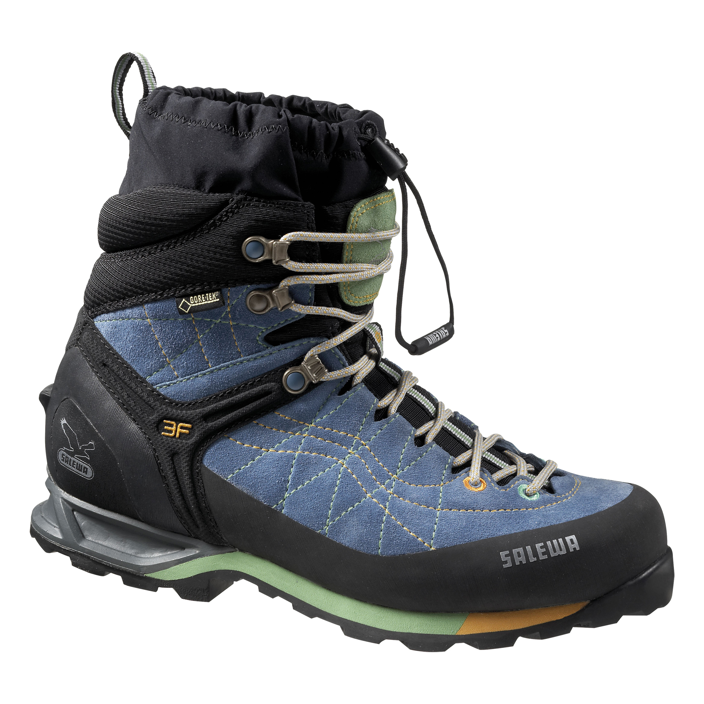 Im BERGSTEIGER Test 01/16: SALEWA Snow Trainer Insulated GTX