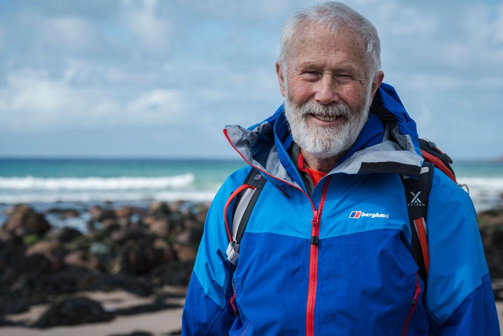 Auch heute ist der 82-Jährige noch mit großer Begeisterung beim Wandern und Klettern in seiner Heimat, dem Lake District, aktiv.