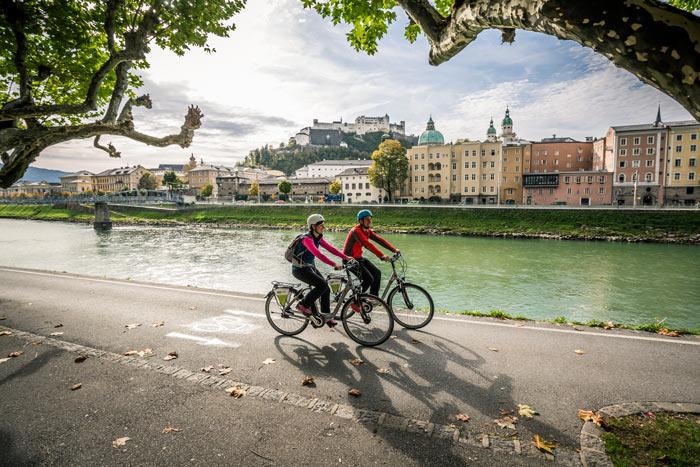 Salzburg gehört zu den Höhepunkten der Slow Bike Tour.