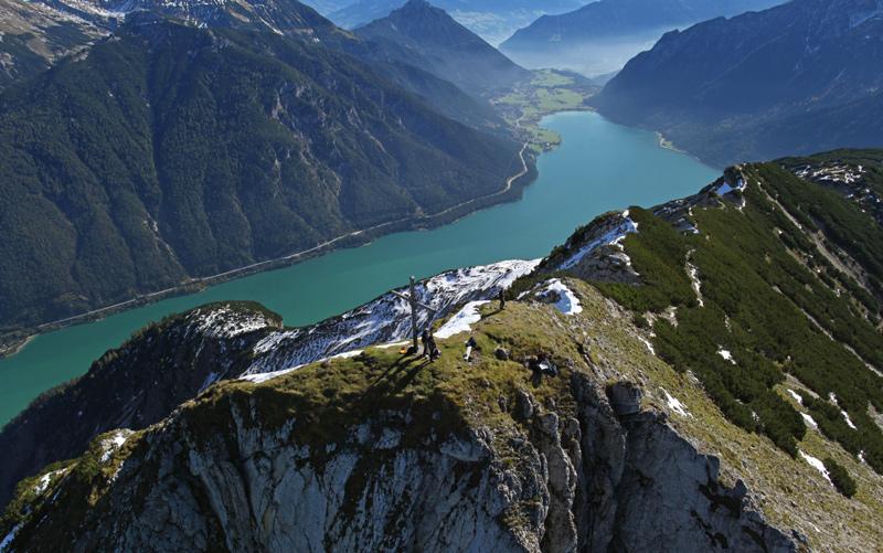 Wer auf dem Gipfel der Seebergspitze steht, genießt unverstellte Sicht in alle Himmelsrichtungen.