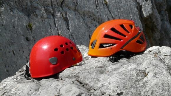 Leichtgewicht Klettergurt : Kletter ausrüstung bergsteiger magazin