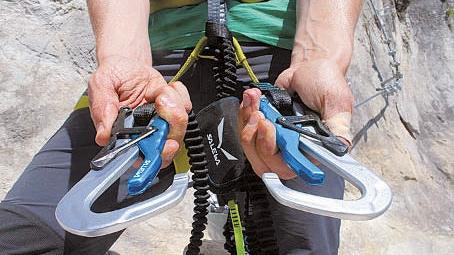 Klettersteigset Unterschiedlich Lang : Klettersteig ausrüstung bergsteiger magazin