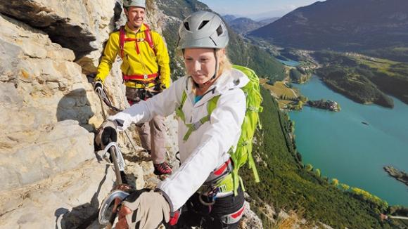 Klettersteigset Worauf Achten : 12 klettersteig sets im test bergsteiger magazin