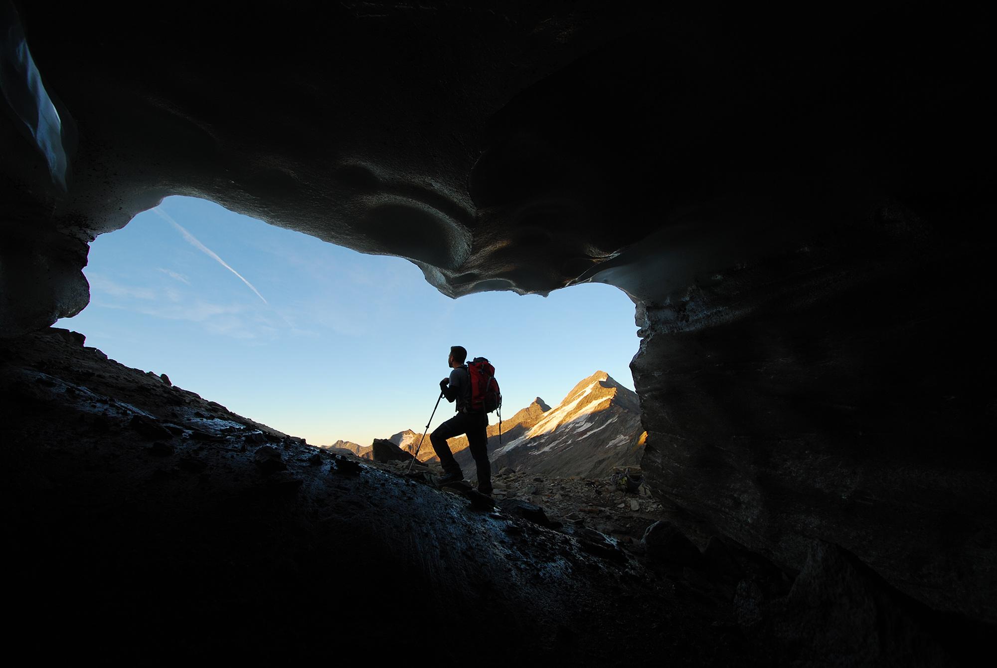 Am Rande des Gletschers hat man einen fantastischen Blick auf die 3496 Meter hohe Rötspitze.